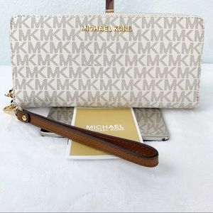NWT, Michael Kors Large Continental Wallet Jet Set